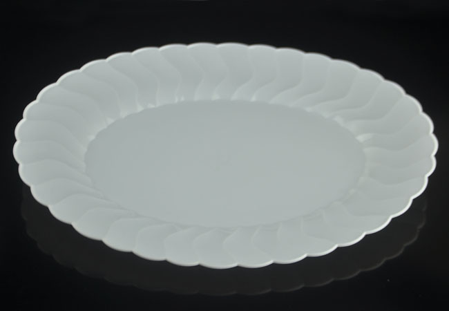 12u2033 Shell Edged Oval White Hard Plastic Dinner Plate-APC0312 : oval plastic plates - pezcame.com